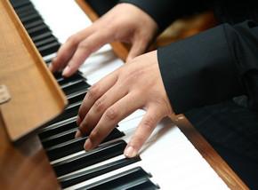 разучивание музыкальный произведений на фортепиано