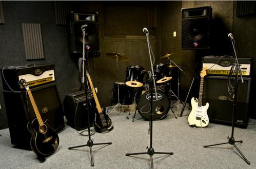 как удержать музыкантов в группе