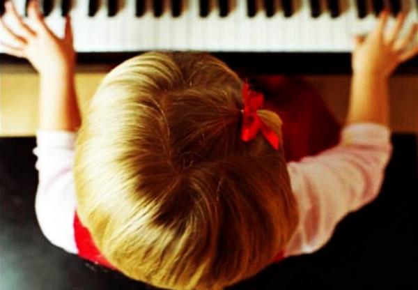 в каком возрасте начинать занятия музыкой