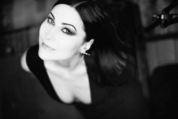 Анжелика Холина: балет без балета, Музыкальный класс