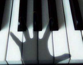 призрак над пианино
